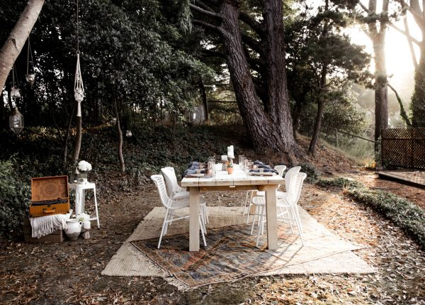 Bring the charm of the French countryside to your suburban backyard. Advice from a 20-Something captures joie de vivre with the Teaka table and the Sala dining chairs. And... a phonograph?