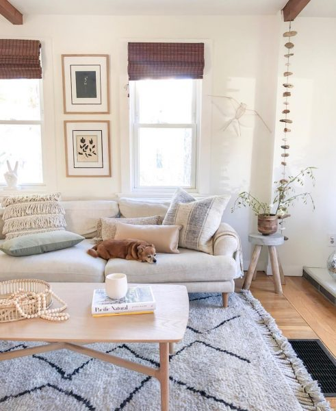 @mstarrevdesign's mix of beachy naturals and Scandi lines makes for a beautiful place to nap and hang out. The Brezza coffee table takes center stage without overwhelming the space.