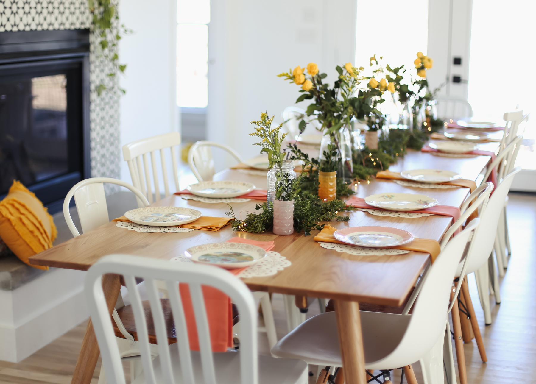 Ashley Ann Photography shows us how to host a dinner party.